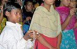 Bangladesh, les islamistes attaquent les catholiques « coupables » de voter