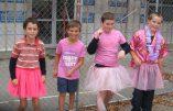 Des petits garçons en robe à l'école maternelle au nom de la théorie du genre