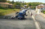 François Hollande hué à Carmaux malgré l'important dispositif policier