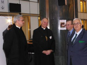 benediction_creche_parlement_europeen_bruxelles_par_mgr_fellay_141209_02