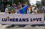 Une église luthérienne du Danemark organise le premier «mariage» religieux d'un duo transsexuel