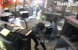 Vidéo de l'assaut terroriste contre le restaurant Casa Nostra à Paris le 13 novembre 2015