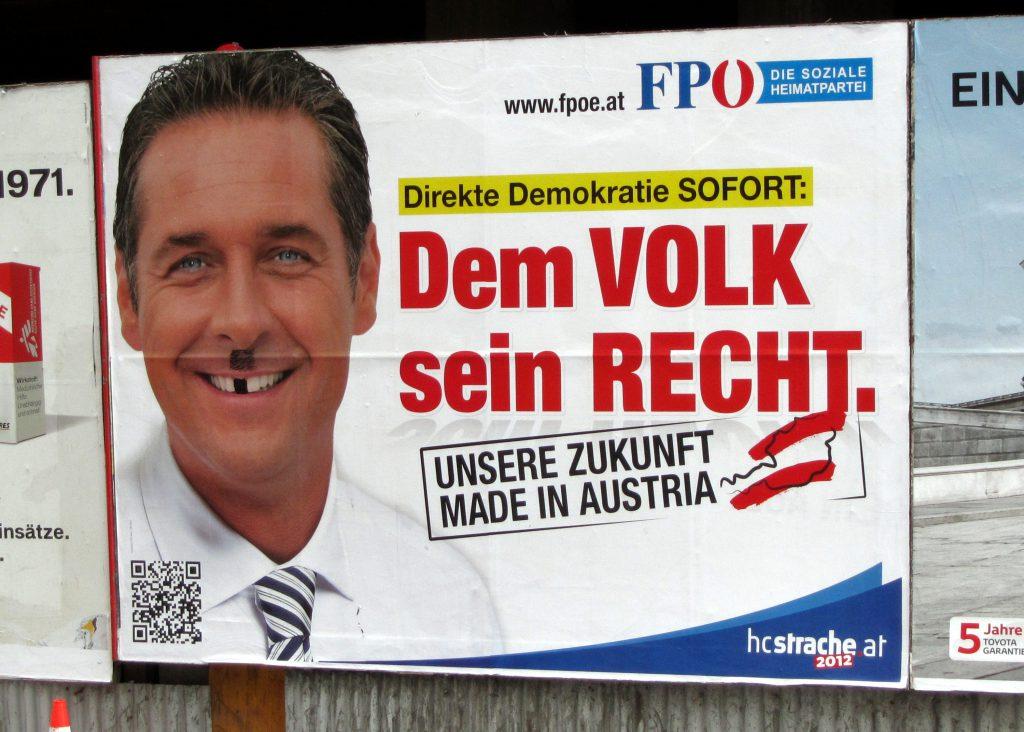 L'ajout d'une petite moustache pour une même reductio ad Hitlerum en Allemagne