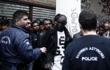 Heurts entre policiers et immigrés illégaux dans les rues d'Athènes