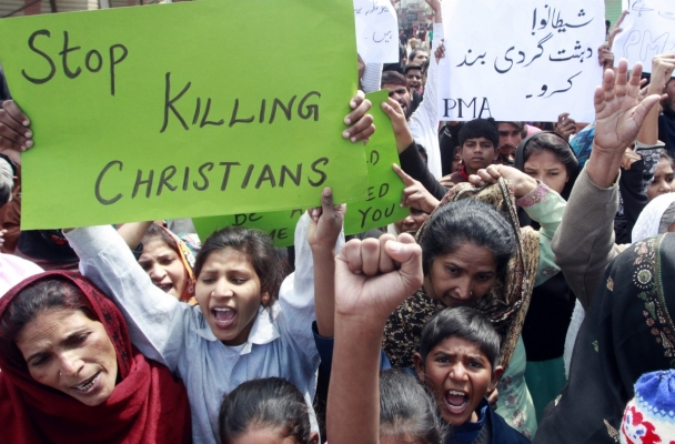 lahore-protest-church-bombing