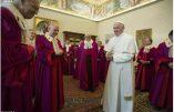 Le pape François en visite à la Rote romaine