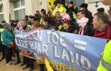 PEGIDA manifeste à Zeebruges suite au déplacement des immigrés de Calais vers la côte belge