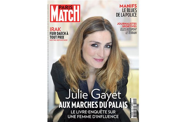 Julie-Gayet-paris-match-Aux-marches-du-palais