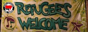 """Les antifas militent aussi pour l'accueil des """"réfugiés"""". Pourtant, hors des manifestations,ces fils de bonne famille n'hébergent pas d'immigrés chez eux."""