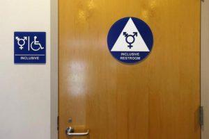 Donald Trump met fin aux «toilettes transgenres» dans les établissements scolaires