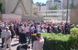 Ce dimanche, c'était messe en plein air devant l'église Sainte Rita à Paris