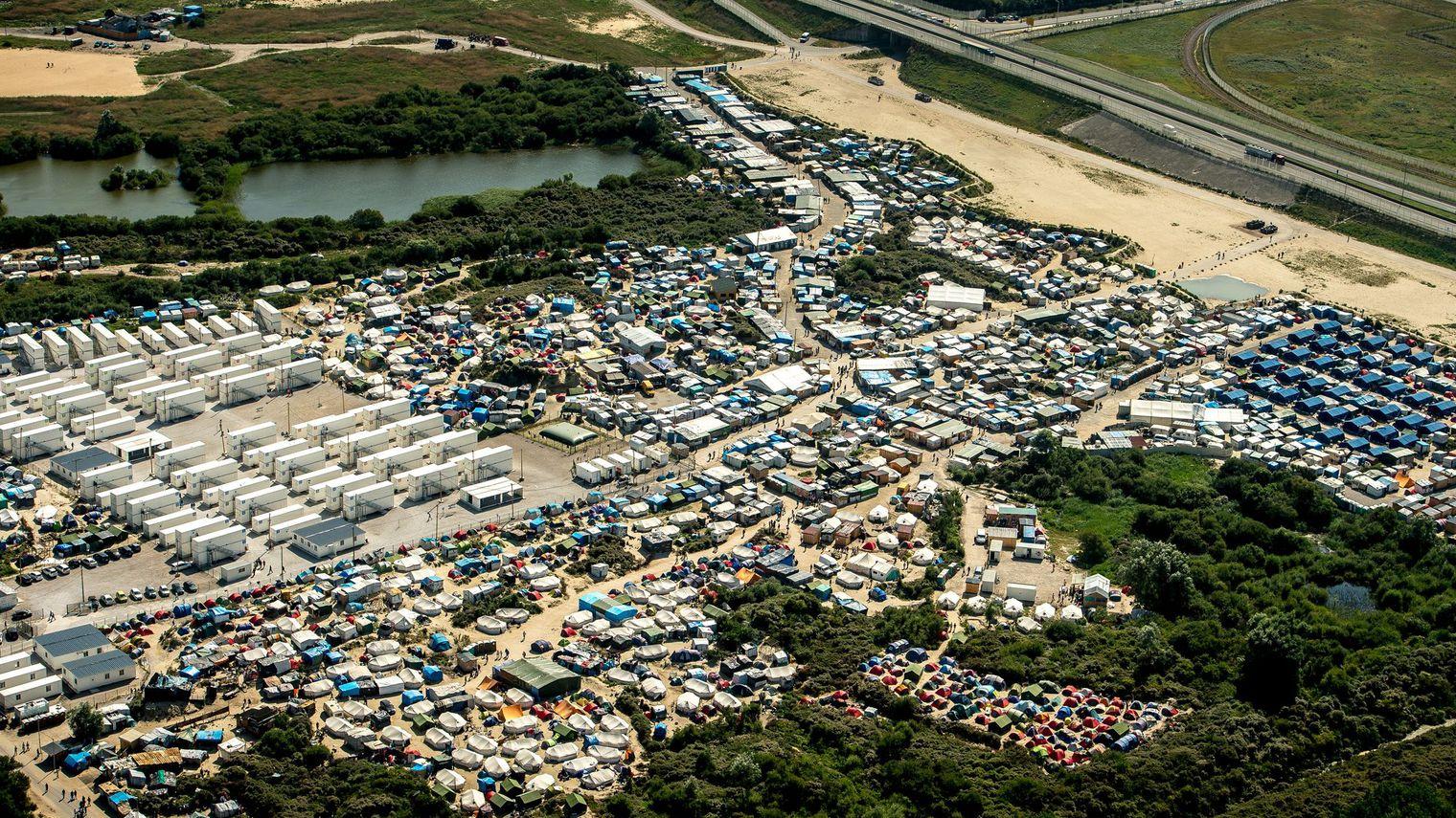 Explosion du nombre de clandestins dans la jungle de Calais selon ...
