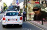 Une femme poignarde deux personnes dans un bus et une troisième en pleine rue