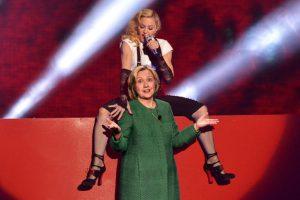 Madonna promet du sexe oral en échange d'un vote pour Hillary Clinton