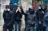Rennes – Menacé par des antifas, un policier sort son arme…