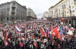 Russie et Ukraine: Superbes régiments immortels de pays authentiques, fiers de leurs ancêtres.