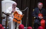 Migrants: alors que l'Italie envisage de fermer ses ports, le pape François toujours partisan de l'accueil