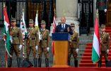 Le ministre hongrois de la défense demande aux officiers de lutter contre l'immigration illégale et garder la foi chrétienne