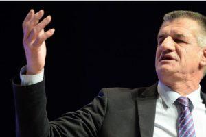 Jean Lassale, ex-candidat à l'Elysée, compare Macron aux collaborateurs des Allemands sous l'Occupation