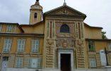 Tentative de mettre le feu à l'autel de l'église Saint-Roch