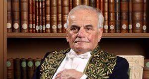 Sectarisme : le maire de Paris Anne Hidalgo refuse une sépulture parisienne à Michel Déon