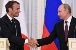 Emmanuel Macron à Saint-Pétersbourg veut «arrimer la Russie à l'Europe». Cela augure-t-il d'un renversement de situation ? Analyse