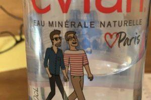 Les bouteilles d'Evian font la promotion de l'homosexualité