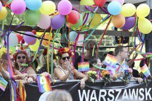 Les mondialistes aux commandes de la gay pride à Varsovie