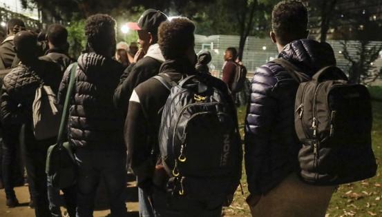 http://media.medias-presse.info/wp-content/uploads/2018/08/migrants-dos.jpg