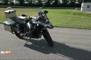 Et voilà la moto autonome, capable de rouler toute seule…