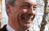 Une armée européenne pour effrayer la Russie ? Nigel Farage interpelle Jean-Claude Juncker avec ironie