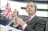 """Nigel Farage dénonce """"l'arnaque"""" européenne"""