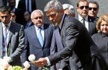 Gorges Clooney était en tête du cortège de milliers d'Arméniens à Erevan pour commémorer les 101 ans du génocide par la Turquie