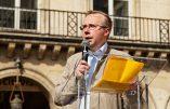 """Alain Escada : """"Civitas veut servir le Pays Réel en restaurant une France catholique, en s'affranchissant de l'Union Européenne, de l'OTAN, de la haute finance internationale et des banksters"""""""