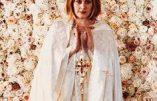 """La chanteuse Adele devenue """"pasteur"""" d'une secte protestante pour """"marier"""" deux amis homosexuels"""