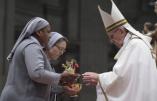 """Le pape François entérine une autre dérive conciliaire : le """"ministère"""" des femmes"""