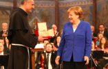 Angela Merkel reçoit le prix franciscain « La Lampe de la Paix» à Assise