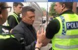 Tommy Robinson, le militant identitaire britannique, demande l'asile politique à Donald Trump