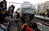 Grèce – Les immigrés illégaux bloquent les trains et réclament l'ouverture des frontières
