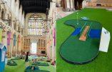 Durant l'été, l'Eglise anglicane transforme la cathédrale de Rochester en terrain de minigolf…