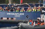 Migrants à l'assaut de la Grande-Bretagne : réponse militaire de Londres