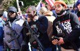 L'Amérique se prépare pour des troubles civils en se ruant sur les armes à feu