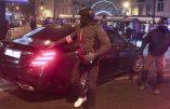 La voiture du Roi des Belges au milieu d'une émeute d'immigrés à Bruxelles