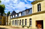 Le monastère de Martigné-Briand, situé à Martigné-Briand près d'Angers – © Divine Box