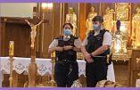 Tyrannie sanitaire – Images scandaleuses d'un office religieux interrompu par la police le Vendredi Saint