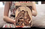 Vidéo de la réalisation par Caleana Major d'une pyrogravure sur bois représentant Saint Denis