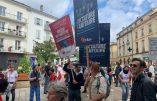 Grosse mobilisation à Bergerac ce matin contre la dictature sanitaire, avec Civitas présent en force