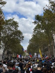 Hausse de la participation aux manifestations contre la dictature soi-disant sanitaire