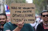Florilège de pancartes à la manifestation parisienne anti-passe sanitaire
